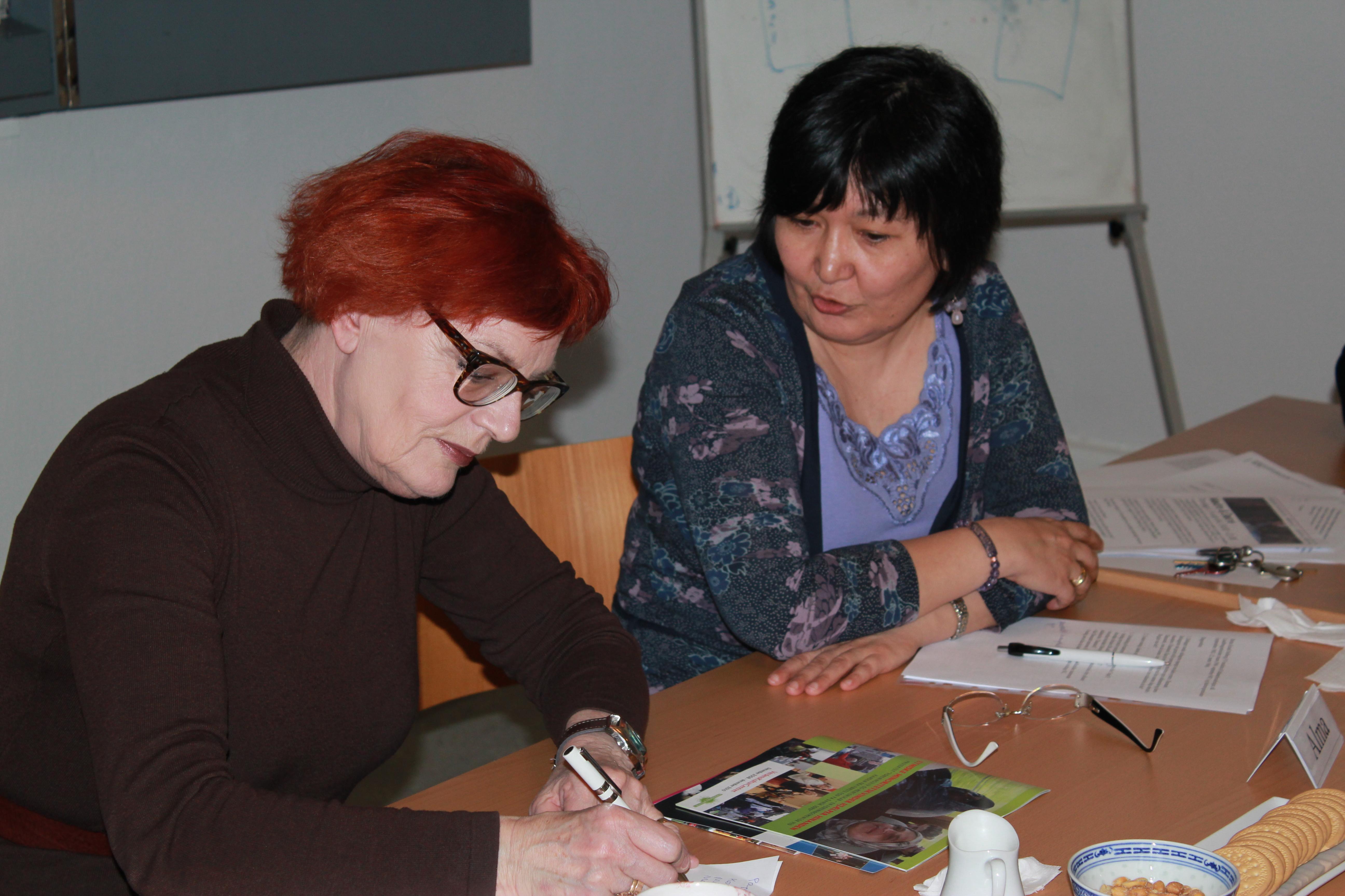 Kaffemøde med medlem af Folketinget for Venstre Britta Schall Holberg – Verdens kvinder i Danmark